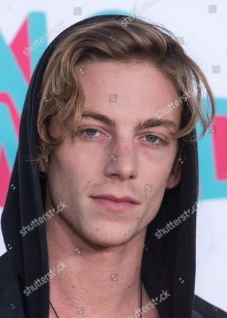 Skateboarder Ben Nordberg arrives at the 5th Annual TeenNick HALO Awards at the Hollywood Palladium on in Hollywood, Calif