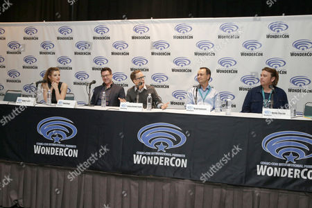 """Bella Thorne, David Kaye, James Arnold Taylor, Producer Brad Foxhoven and Director/Writer/Executive Producer Kevin Munroe seen at Gramercy Pictures """"Ratchet & Clank"""" Wondercon Presentation at Los Angeles Convention Center, in Los Angeles, CA"""