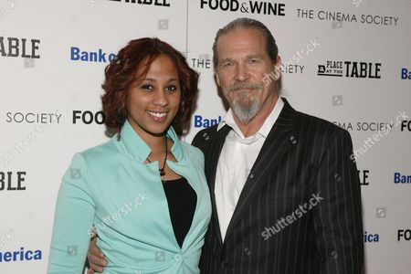 """Stock Image of Barbie Izquierdo, left, and actor Jeff Bridges, right, attend a screening of """"A Place at the Table"""" presented by Bank of America and The Cinema Society, at the Museum of Modern Art in New York"""