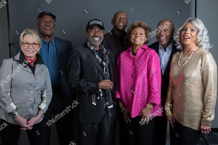 "The original cast of Roots, Sandy Duncan, John Amos, Ben Vereen, Louis Gossett Jr., Leslie Uggams, Georg Stanford Brown and Lynne Moody pose for a portrait in promotion of the upcoming release of ""Roots: The Complete Original Series"" on Blu-ray, in New York"