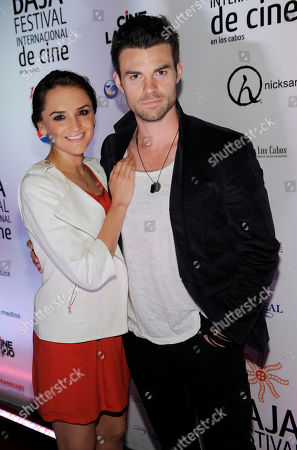 Actress Rachel Leigh Cook poses with her husband Daniel Gillies at the Baja International Film Festival Closing Night Awards Gala, in San Jose del Cabo, Mexico