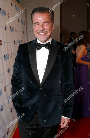 """Ian Buchanan attends the CARRY Foundation's 7th Annual """"Shall We Dance"""" Gala at The Beverly Hilton Hotel on in Beverly Hills, California"""
