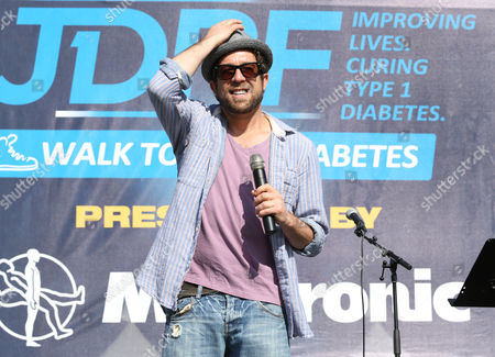 Elliott Yamin onstage at JDRF's Los Angeles Walk to Cure Diabetes at the Rose Bowl on in Pasadena, California