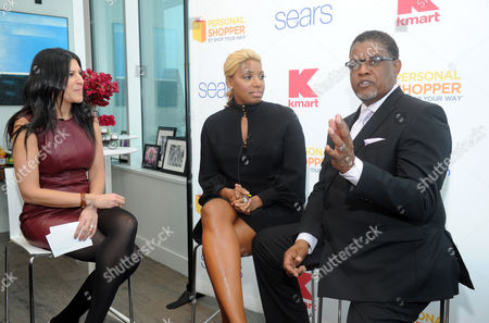 NeNe Leakes Reality TV star couple NeNe and Gregg Leakes chat with Sears executive, Jamie Stein, left, during the Shop Your Way Personal Shopper launch with Sears and Kmart in New York