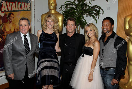 Presenters, from left, Academy president Tom Sherak, Laura Dern, Greg Kinnear, Mena Suvari and Cuba Gooding, Jr. pose together at the 39th Annual Student Academy Awards at the Academy of Motion Picture Arts and Sciences, in Beverly Hills, Calif