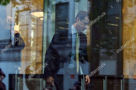 Former Congressman Anthony Weiner (D-N.Y.) arrives at federal court for his sentencing hearing in a sexting scandal, in New York