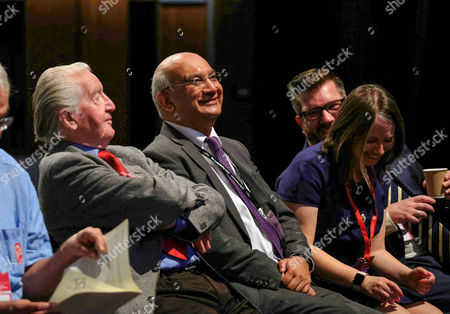 Labour MP's Dennis Skinner and Keith Vaz at a Labour Party Conference