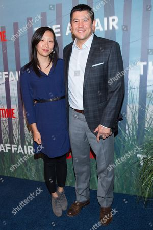 """Carl Quintanilla (R) attends the series premiere of SHOWTIME's drama """"The Affair"""" at the North River Lobster Company, in New York"""