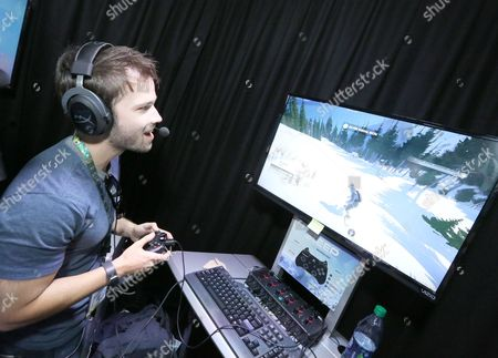 Nathan Kress playing Steep at Ubisoft E3 2016 - Day 3 at the Los Angeles Convention Center, in Los Angeles