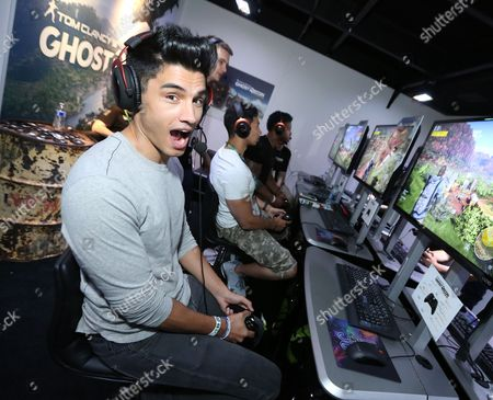 Siva Kaneswaran playing Tom Clancy's Ghost Recon Wildlands at Ubisoft E3 2016 - Day 3 at the Los Angeles Convention Center, in Los Angeles