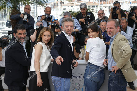 Producer Alain Attal, Emmanuelle Bercot, Vincent Cassel, director Maiwenn and scriptwriter Etienne Comar pose for photographers at the photo call for the film Mon Roi, at the 68th international film festival, Cannes, southern France