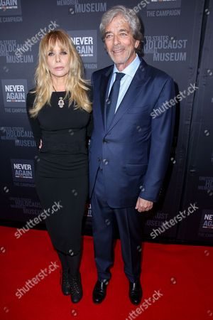 Rosanna Arquette, left, and husband Todd Morgan arrive at the 2016 What You Do Matters Dinner at the The Beverly Hilton Hotel, in Beverly Hills, Calif