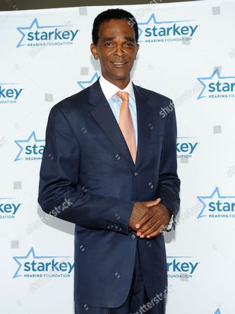 """Ralph Simpson Former NFL player Ralph Sampson is seen on the red carpet at the Starkey Hearing Foundation's """"So the World May Hear"""" Awards Gala on in St. Paul, Minn"""