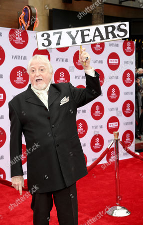 Marty Ingels arrives at 2014 TCM Classic Film Festival's Opening Night Gala at the TCL Chinese Theatre on in Los Angeles