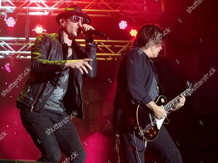Chester Bennington, left, and Dean DeLeo of the band Stone Temple Pilots perform in concert during the 2015 Shindig Music Festival at Carroll Park, in Baltimore
