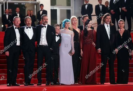 From left, Douglas Henshall, Mads Mikkelsen, Jeffrey Dean Morgan, Nanna Oland Fabricius, Eva Green and Kristian Levring on the red carpet for the screening of The Salvation at the 67th international film festival, Cannes, southern France