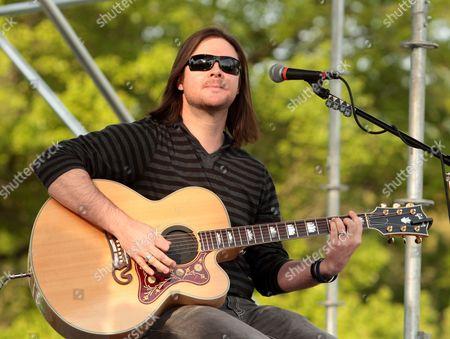 Joe Garvey of the rock band Hinder performs at Rockford Park, in Wilmington, Del