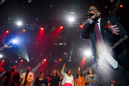 Hezekiah Walker performs during McDonald's Gospelfest 2013 at the Prudential Center on in Newark, N.J