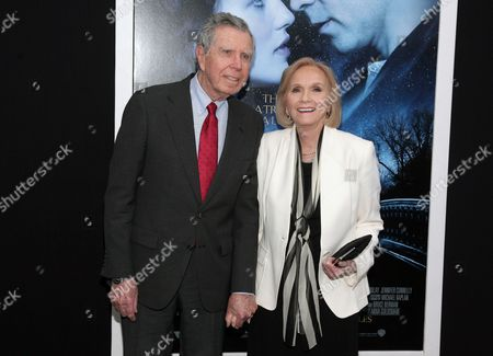 "Actress Eva Marie Saint, right, with her husband, director Jeffrey Hayden, left, attend the world premiere of ""Winter's Tale"" on in New York"
