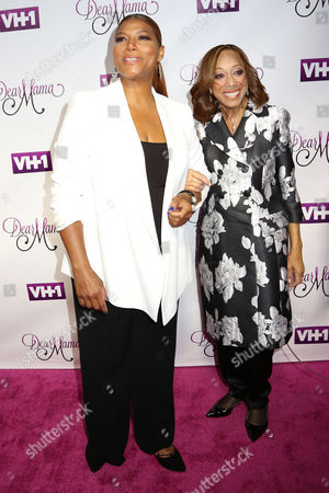 """Queen Latifah, left, and her mother Rita Owens attend VH1's """"Dear Mama"""" Mother's Day Special taping at St. Bartholomew's Church, in New York"""