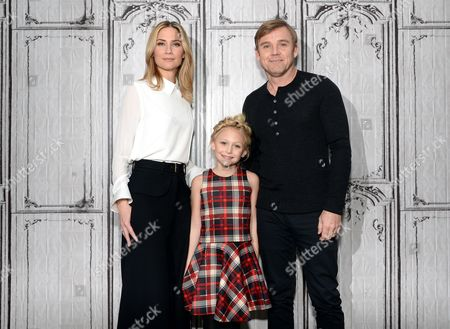 "Actors Jennifer Nettles, from left, Alyvia Alyn Lind and Ricky Schroder pose backstage before AOL's BUILD Speaker Series to discuss, ""Dolly Parton's Coat of Many Colors"" television movie, at AOL Studios, in New York"