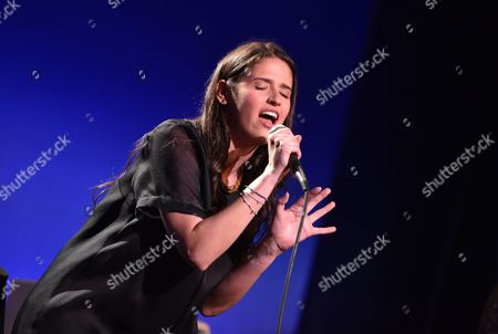 """Rozzi Crane performs on stage at Sean Penn And Friends """"Help Haiti Home"""" Gala - Show at the Montage Hotel on in Beverly Hills, Calif"""