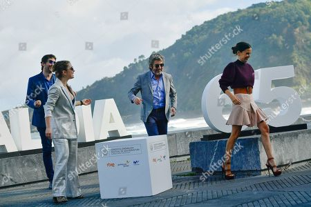 Ricardo Darin, Elena Anaya, Dolores Fonzi, Santiago Mitre. Argentinian actor and Donostia Award this year, Ricardo Darin, center, poses beside Spanish actress Elena Anaya and Argentina actress Dolores Fonsi, left, with Argentinian film director, Santiago Mitre during the photo call to promotes the film, ''La Cordillera'' (The Mountain Range'), at the 65th San Sebastian Film Festival, in San Sebastian, northern Spain, . The festival is one of the most prestigious and internationally recognised in Spain and Latin America