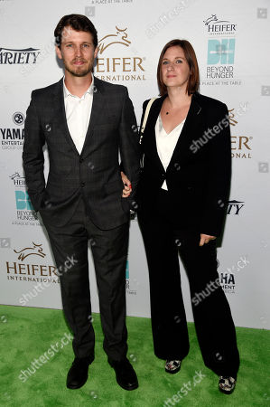 "Actor Jon Heder, left, and his wife Kirsten pose together at the 4th Annual Beyond Hunger: ""A Place at the Table"" gala at the Montage Hotel, in Beverly Hills, Calif"