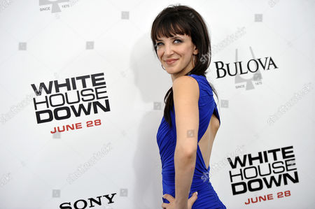 """Actress Jackie Geary attends the """"White House Down"""" premiere at the Ziegfeld Theatre on in New York"""