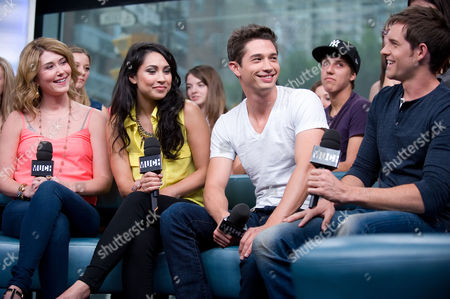 """Jewel Staite, Cassie Steele, Joe Dinicol, and Jonathan Patrick Moore visit New.Music.Live. at the MuchMusic HQ to promote the second season of """"The L.A. Complex"""", in Toronto"""