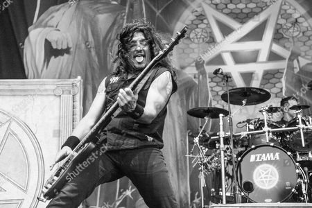 Frank Bello of Anthrax performs during day 2 of Ozzfest meets Knotfest at San Manuel Amphitheater, in San Bernardino, Calif
