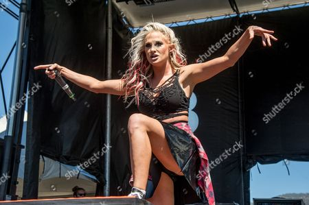 Heidi Shepherd of Butcher Babies performs during day 2 of Ozzfest meets Knotfest at San Manuel Amphitheater, in San Bernardino, Calif