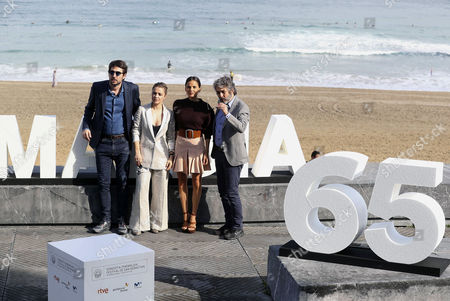 (L-R) Argentinian director Santiago Mitre, Argentinian actress Dolores Fonzi, Spanish actress Elena Anaya and Argentinian actor Ricardo Darin pose after the presentation of the film 'La cordillera' (lit: The Summit), at the 65th San Sebastian International Film Festival, in San Sebastian, northern Spain, 26 September 2017. San Sebastian International Film Festival runs from 22 to 30 September.