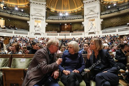 (L-R) European MP Daniel Cohn-Bendit, former French Justice Minister, Elisabeth Guigou and President of the French parliamentary commission on Foreign Affairs, Marielle de Sarnez discuss prior to the start of the French President's speech on the European Union at the amphitheater of the Sorbonne University in Paris, France, 26 September 2017. French President Emmanuel Macron will set out his vision for a rebooted European Union.