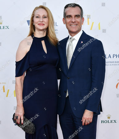 Amy Wakeland and Mayor Eric Garcetti