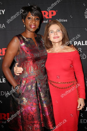 Cheryl Wills and Tovah Feldshuh