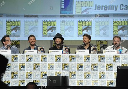 """Producer Jeremy Carver, from left, Jensen Ackles, Jared Padalecki, Misha Collins and Mark Sheppard attend the """"Supernatural"""" special video presentation and Q&A on Day 4 of Comic-Con International, in San Diego"""