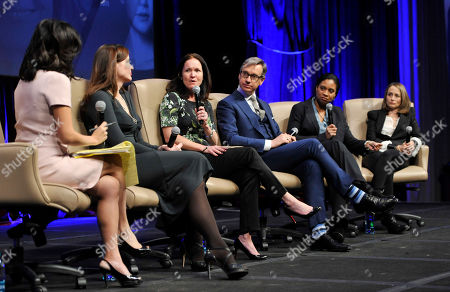 """Left to right, moderator Janice Min, Geena Davis, Amy Miles, Paul Feig, Vanessa Morrison and Nina Jacobson take part in the """"Driving Financial Success: Women + Movies = Bigger Box Office"""" luncheon at CinemaCon 2013 at Caesars Palace on in Las Vegas"""