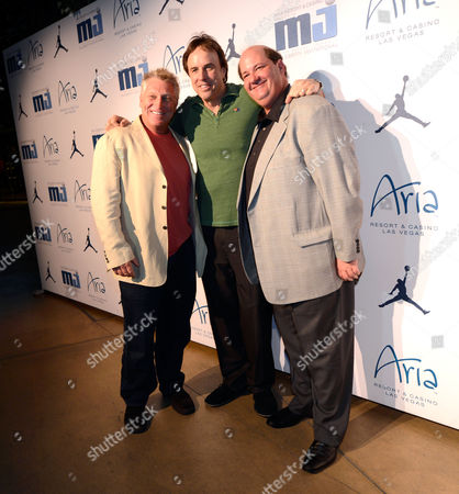 From left, National Hockey League Hall of Fame Player Brett Hull, actor Kevin Nealon and Brian Baumgartner arrive at the Michael Jordan Celebrity Invitational opening night dinner, Wednesday, April, 3, 2013 in Las Vegas