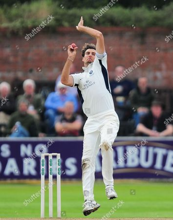 Steve Finn of Middlesex bowls during the 3rd Day of the Division 1 Specsavers County Championship match between Somerset and Middlesex at The Cooper Associates County Ground, Taunton, England. 27th September 2017 (