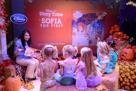 Stock Photo of Baylie Cregut, Rylie Cregut, Mia Talerico, McKenna Grace and Luna Marie enjoy a story time reading of 'Sofia the First: Halloween Ball' at Disney Store's Halloween BOOtique Party, in Glendale, CA