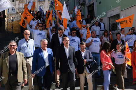 Social Democratic Party (PSD) leader, Pedro Passos Coelho (C), flanked by Coimbra townhall candidate Jaime Ramos (3L), during a political rally for the upcoming local elections to be held next 1st October, Coimbra, Portugal 27 September 2017.