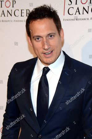 Elon Gold arrives at Stop Cancer's Annual Gala at the Beverly Hilton Hotel on in Beverly Hills, California