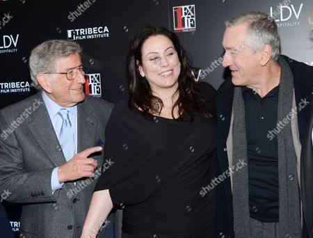 """First Time Fest co-founder Johanna Bennett poses with her father Tony Bennett, left, and actor Robert De Niro at the 20th anniversary screening of """"A Bronx Tale"""" presented by First Time Fest and Tribeca Film Institute on in New York"""