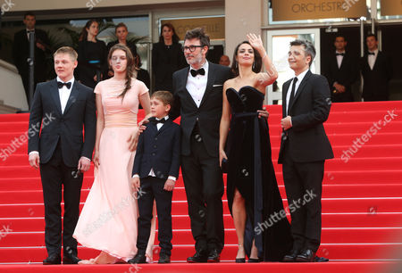 From left, Maxim Emelianov, Zukhra Duishvili, Abdul-Khalim Mamatsuiev, Berenice Bejo, Michel Hazanavicius and Thomas Langmann arrive on the re carpet for the screening of The Search at the 67th international film festival, Cannes, southern France