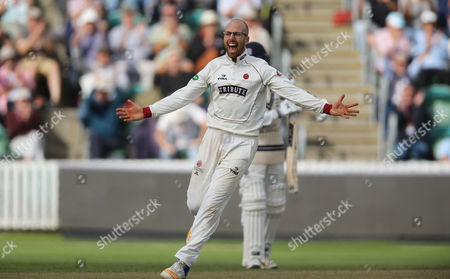 Jack Leach of Somerset Cricket celebrates LBW on Steve Finn of Middlesex to win the match and stay in the County championship Division 1 during the 4th Day of the Division 1 Specsavers County Championship match between Somerset and Middlesex at The Cooper Associates County Ground, Taunton, England. 28th September 2017 (