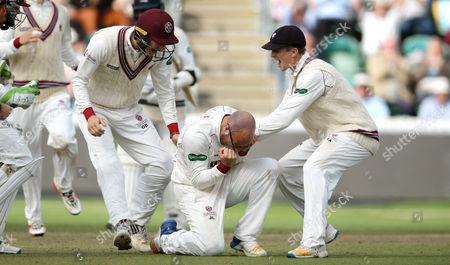 Jack Leach of Somerset Cricket celebrates LBW on Steve Finn of Middlesex to win the match and stay in the County championship Division 1 and is modded by Somerset players during the 4th Day of the Division 1 Specsavers County Championship match between Somerset and Middlesex at The Cooper Associates County Ground, Taunton, England. 28th September 2017 (