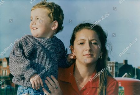 Julie Burns Girlfriend Of Corporal Barney Warburton Who Was Killed By A Landmine In Bosnia. She Is Pictured With Their Son Liam. Box 736 1108031729 A.jpg.