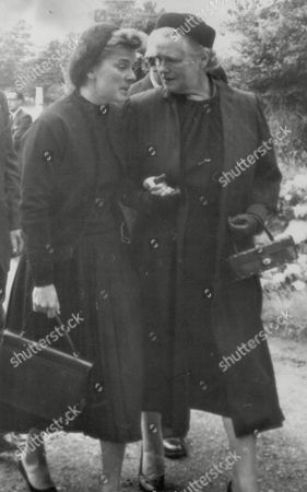 Funeral Of Racing Driver Peter Collins. Louise Collins Actress Widow Of Racing Driver Peter Collins With His Mother Mrs P. A. Collins. Box 738 314031728 A.jpg.