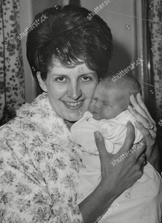 Mrs Margaret Byrne Wife Of West Ham United F.c. Footballer John Byrne With Their 6-day-old Baby Daughter Karen. Box 737 810031715 A.jpg.